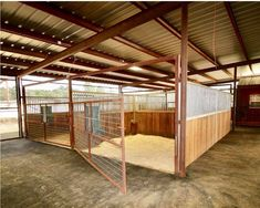 I love this because you can get a small tractor in there and scrape it out Horse Shed, Horse Barn Plans, Horse Stables, Dream Stables, Dream Barn, Horse Fencing, Simple Horse Barns, Show Cattle Barn, Horse Barn Designs