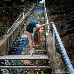 "San Francisco's ""Stairway to Heaven"" with @adleyy.sola trained at SF Ballet School. #ballet #balletdancer #ballerina #ballerinasofig #ballerinaspiration #worldwideballet #sanfrancisco #mosaicsteps #stairwalkers #stairwaytoheaven #stairs #instaballet #worldballetproject #ballerina.nation #vbalete #dance #dancer #dancing #flexibility #contortion #pointe #dancephotographer #dancephotography #etherealpixels"