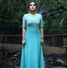 Beautiful Malayalam Actress Hot Photos and Wallpapers Beautiful Girl Indian, Beautiful Indian Actress, Hot Actresses, Indian Actresses, Girl Fashion, Fashion Dresses, Curvy Fashion, Dress Indian Style, Indian Wear