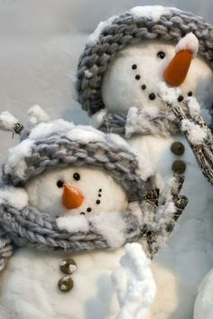 Smiles from snowmen..they make your heart a little happier!