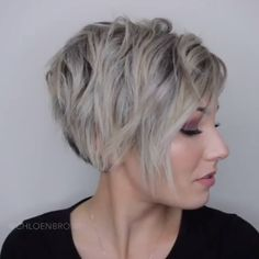 Short pixie haircuts cause unprecedented interest in women, pixie is particularly popular in In the photo you can see the front and rear view. Haarschnitte Ondulado Latest Short Pixie Cuts for 2019 – Refresh Your Look Today Long Pixie Hairstyles, Short Pixie Haircuts, Short Hairstyles For Women, Popular Short Haircuts, Long Pixie Cuts, Bob Haircuts, Short Hair With Layers, Short Hair Cuts For Women, Layered Hair