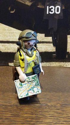 Playmo'Délisme :: Pilote USMC pacifique WW2 playmobil custom Usmc, Toy Boxes, Ww2, Dani, Captain Hat, Nostalgia, Lego, Creations, Cool Stuff