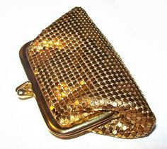 gold-mesh-coin-purse-whiting-and-davis-mesh-bag-peach-lining-vintage-1950s