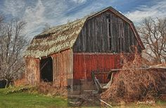 Old barn in Sanborn, NY. Get professionally printed copies of any of my photos, and merchandise featuring my photos, at www.JHughesPhoto.smugmug.com