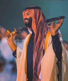 King Salman Saudi Arabia, Saudi Arabia Prince, Ksa Saudi Arabia, Saudi Arabia Culture, National Day Saudi, Saudi Men, Prince Mohammed, Arab Men, Islamic Images