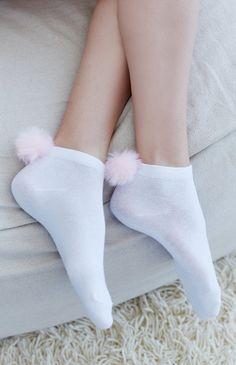 Pom-Pom Ankle Socks