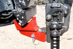 Dangerous farm type jacks can be unstable in off-road conditions. Why not eliminate dangerous situations and cut down chances of operator injury or vehicle damage? #CustomVWAmarok