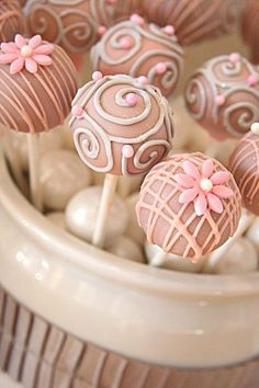 cake pops for a wedding : )))