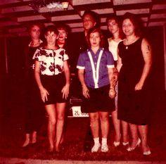 Elvis with fans in july 19  1960 in Memphis.