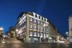 LX Boutique hotel is a charming boutique hotel overlooking the Tagus river is a walk distance to the center of Lisbon. One of the best lisbon accommodation boutique hotels. Lisbon Accommodation, Lisbon City, Old Building, Hotel Spa, Hotel Offers, Old Town, Facade, Places To Visit, Around The Worlds