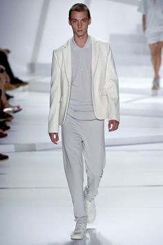 Slouchy white suit for men. Gotta love it.