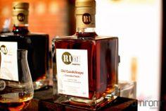 Rum Old Guadeloupe. Tolle Geschenke mit Rum gibt es bei http://www.dona-glassy.de/Geschenke-mit-Rum:::22.html