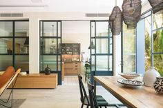 〚 Modern house with tropical garden in Barcelona 〛 ◾ Photos ◾Ideas◾ Design Industrial Kitchen Design, Industrial Style, Beautiful Interiors, Beautiful Homes, Renovation D, Shabby Chic, Interior Decorating, Interior Design, Interior Ideas