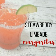 Quick & Easy Strawberry Limeade Margarita - Beauty With Lily Margarita Recipe For A Crowd, Pitcher Margarita Recipe, Limeade Margarita, Margarita Mix, Margarita Recipes, Watermelon Margarita, Drinks Alcohol Recipes, Punch Recipes, Cinco De Mayo