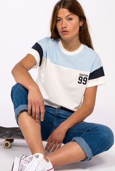 Sport t-shirt and shoes with blue jeans Girl Outfits, Casual Outfits, Cute Outfits, Fashion Outfits, Mens Polo T Shirts, Look Girl, Only Play, Sport T Shirt, Shirts For Girls