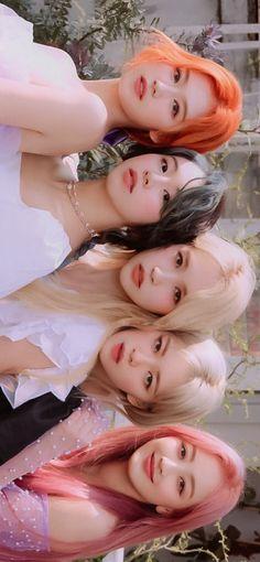 Kpop Girl Groups, Korean Girl Groups, Kpop Girls, Walpapers Cute, Twice Group, Twice Album, Sana Minatozaki, Twice Once, Nayeon