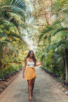32 Ways To Match Outfit Idea for Your Holiday - Women Fashion Ideas - Bahamas Outfit, Thailand Outfit, Philippines Outfit, Bali Fashion, Look Fashion, Hawaii Fashion, Surf Fashion, Spain Fashion, Fashion Shorts