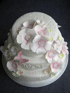 White weddingcake
