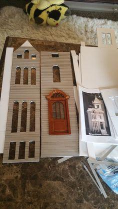 Greggs Miniature Imaginations: San Fransisco House Made from Cardboard Cardboard Dollhouse, Diy Cardboard, Diy Dollhouse, Dollhouse Miniatures, Miniature Houses, Mini Houses, Book Cover Art, Book Covers, San Fransisco
