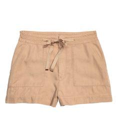 CONSCIOUS. Short shorts in soft Tencel® lyocell. | H&M Divided