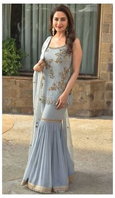 Party Wear Indian Dresses, Designer Party Wear Dresses, Indian Gowns Dresses, Indian Bridal Outfits, Indian Fashion Dresses, Dress Indian Style, Pakistani Outfits, Indian Dresses For Women, Salwar Suits Party Wear