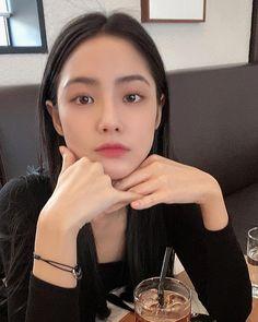 Pretty Korean Girls, Cute Korean Girl, Sexy Asian Girls, Beautiful Asian Girls, Korean Beauty, Asian Beauty, Boy And Girl Best Friends, Princesa Disney, Ulzzang Korean Girl