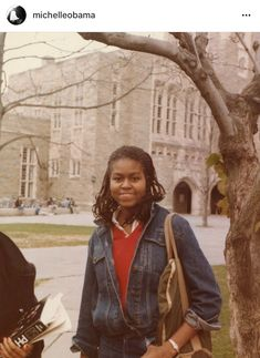 First Lady Michelle Obama College Days. Michelle Obama College, Michelle E Barack Obama, Barack Obama Family, Michelle Obama Fashion, Obamas Family, American First Ladies, The Great Migration, Princeton University, Smart Women