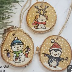 Christmas Fayre Ideas, Wooden Christmas Decorations, Simple Christmas Cards, Holiday Crafts For Kids, Hand Painted Ornaments, Wooden Ornaments, Christmas Design, Christmas Crafts, Holiday Images