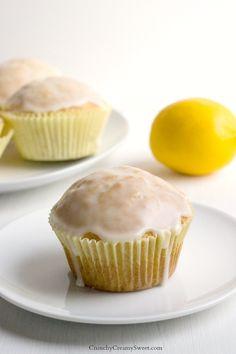 Lemon Muffins Glazed Lemon Muffins - - fluffy muffins with fresh notes of citrus!Glazed Lemon Muffins - - fluffy muffins with fresh notes of citrus! Lemon Desserts, Lemon Recipes, Just Desserts, Sweet Recipes, Delicious Desserts, Dessert Recipes, Yummy Food, Scones, Lemon Muffins