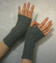 Free knitting pattern: cable wristwarmers (fingerless gloves) from Linda K on Ravelry