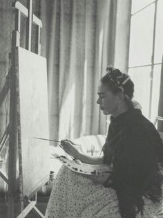 Vintage Photographs Of Frida Kahlo Will Leave You Worshipping The Surrealist…