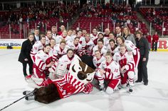 Women's hockey wins fourth WCHA regular season championship.