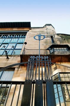 Glasgow School of Art. 1899. Glascow, Scotland. Charles Rennie Mackintosh.
