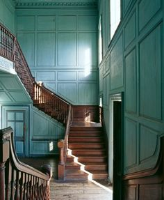Main staircase -  Drayton Hall, located west of Charleston, South Carolina. The mansion is the oldest surviving example of Georgian Palladian architecture in the United States.