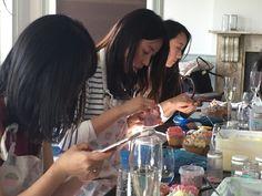 Hen party decorating cupcakes at cupcake workshop How To Make Cake, No Bake Cake, Workshop, Cupcakes, London, Decorating, Baking, Eat, Dekoration