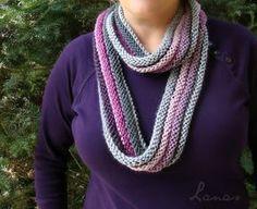 Lanas de Ana: BUFANDA INFINITO ARRIBA-ABAJO (español) montar unos 200 puntos, o tantos como se quiera la bufanda, y tejer 4 filas enteras al derecho, 4 revés, 4 derecho, 4 revés... Y en cada cambio, cambiamos de color. Crochet Shawl, Crochet Scarves, Crocheted Hats, Lana, Knitting Yarn, Infinity, Knit Sweaters, Up, Fashion
