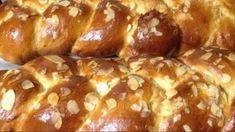 Το πιο τέλειο τσουρέκι με ζαχαρούχο! Δεν έχετε φάει πιο νόστιμο! Greek Sweets, Greek Desserts, Greek Recipes, Crazy Kitchen, Pretzel Bites, Food To Make, Food Processor Recipes, French Toast, Deserts