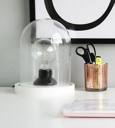 zwart-witte stolplamp