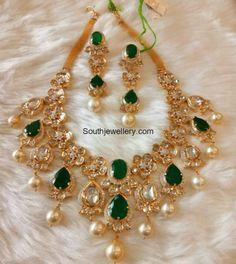 Emerald Polki Diamond Necklace Set photo