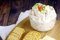Salty, crispy bacon and zesty tomatoes in a creamy dip make this BLT Dip recipe amazing. Perfect easy appetizer or dip recipe to serve at your next gathering! This would be delicious football food! Dip Recipes, Pork Recipes, Snack Recipes, Cooking Recipes, Summer Recipes, Recipies, Dinner Recipes, Appetizer Dips, Appetizer Recipes
