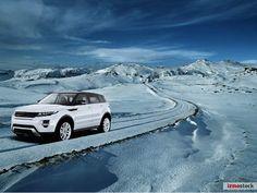 Range Rover by by Steven Poe from izmostock.com