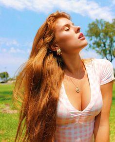 Tumblr est un lieu où vous pouvez vous exprimer, apprendre à vous connaître, et créer des liens autour de vos centres d'intérêts. C'est l'endroit où vos passions vous connectent avec les autres. Pink Taco, Natural Redhead, Closed Eyes, College Girls, Auburn, New Image, Redheads, Red Hair, Cool Photos