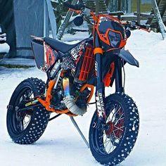 motorcycle supermoto