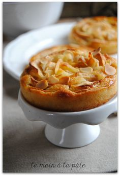 tartelettes amandines aux pommes Lemon Desserts, Mini Desserts, Sweets Recipes, Cheat Meal, Macaroni And Cheese, Meal Prep, Easy Meals, Food And Drink, Yummy Food