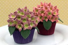 Hydrangea cupcakes - a great alternative to a traditional wedding cake