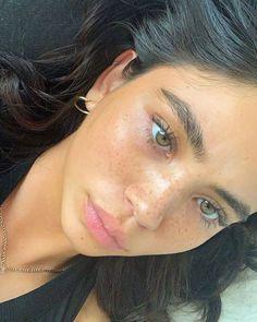 Aesthetic Makeup Looks Natural - Aesthetic Beauty Make-up, Beauty Skin, Beauty Hacks, Hair Beauty, Beauty Guide, Glowy Makeup, Cute Makeup, Freckles Makeup, Glowy Skin
