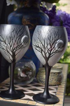 ~ custom, hand painted sunset sunrise full moon wine glasses customization available We ship fast, pack carefully, and LOVE to co… Halloween Wine Glasses, Diy Wine Glasses, Decorated Wine Glasses, Hand Painted Wine Glasses, Fake Glasses, Painting On Wine Glasses, Painting On Glass, Glass Art, Glasses Frames