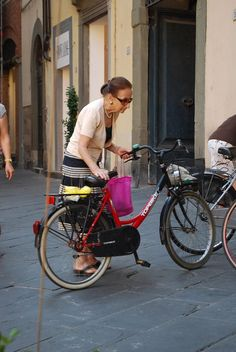 Chic cycling in Lucca, Italy