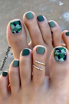 Simple Toe Nails, Pretty Toe Nails, Cute Toe Nails, Summer Toe Nails, Pretty Toes, Cute Toes, Gold Toe Nails, Camo Nails, Feet Nails