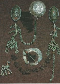 Viking age, but not Viking, FInnish instead / Finland / Tuukkala Viking Symbols, Viking Art, Viking Warrior, Viking Woman, Ancient Vikings, Norse Vikings, Medieval Jewelry, Viking Jewelry, Norse People